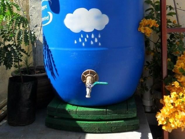 Gua da chuva para o rio for Tambores para agua