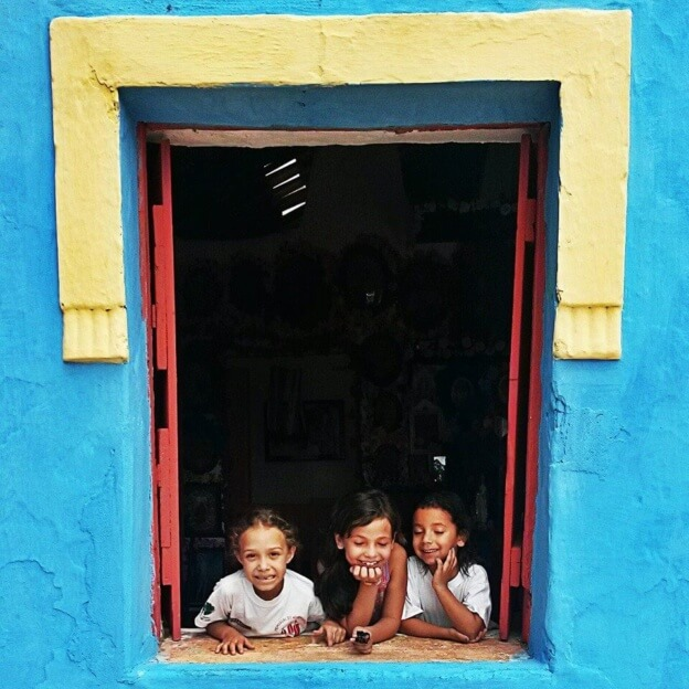 maria e anaclara na janela (1)